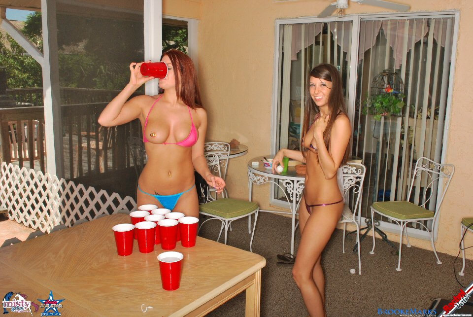 After hours spring break house beer pong and pussy licking 6