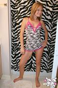 petite southern girl roxy rave hot legs